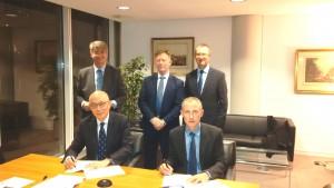 Armitt contract signing 301116